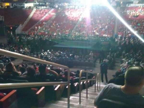 Toyota Center, vak: 119, rij: 12, stoel: 16
