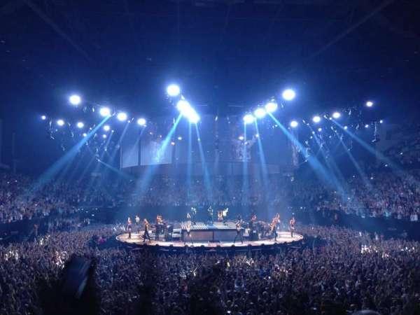 The O2 Arena, vak: 106, rij: N, stoel: 198
