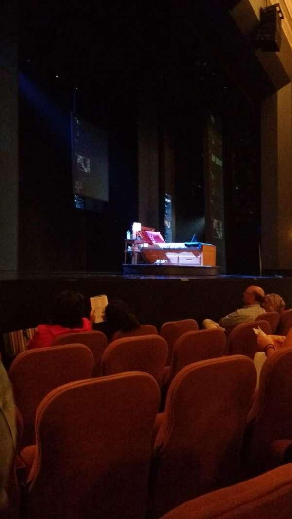 Music Box Theatre, vak: Orchestra left, rij: E, stoel: 15