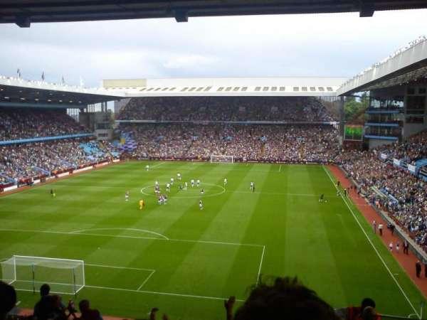 Villa Park, vak: T2, rij: T, stoel: 20