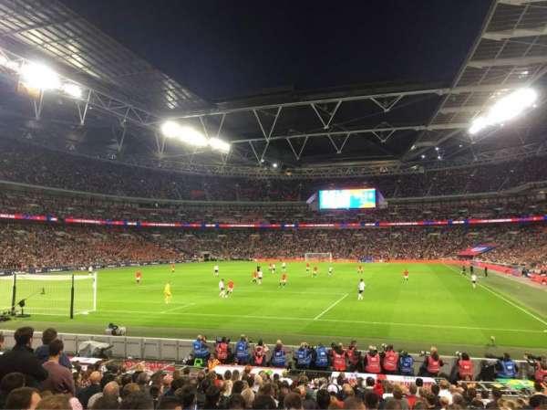 Wembley Stadium, vak: 109, rij: 18, stoel: 214