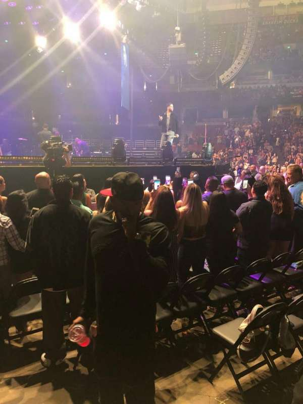 Honda Center, vak: 210, rij: A, stoel: 7