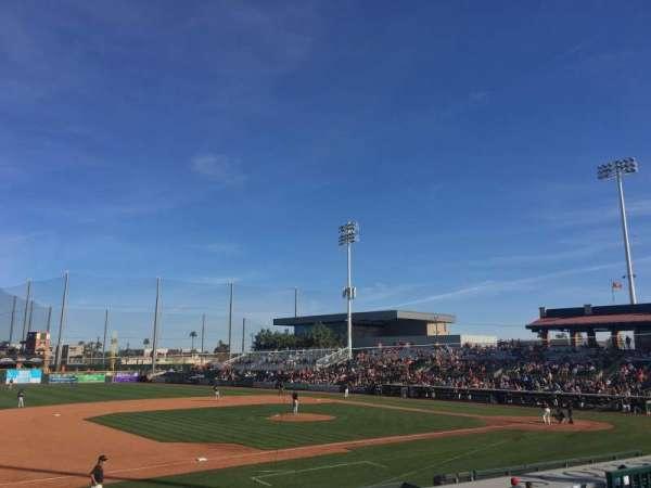 Scottsdale Stadium, vak: 213, rij: M, stoel: 9