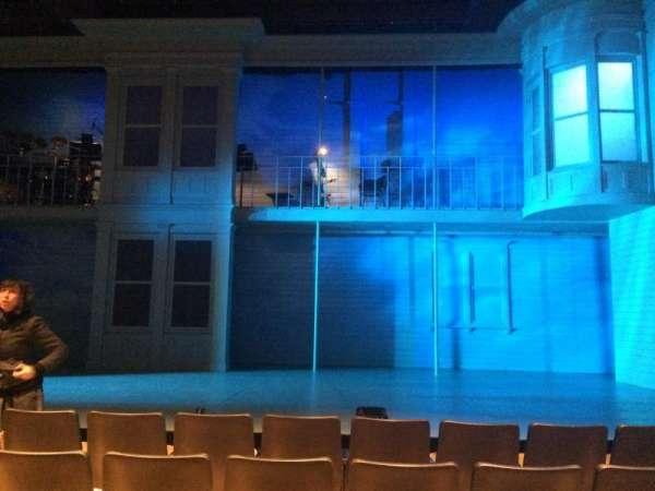 The Acorn Theatre at Theatre Row, vak: Orch, rij: E, stoel: 9