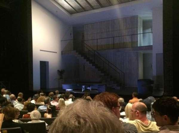 Laura Pels Theatre, vak: Orch, rij: L, stoel: 2