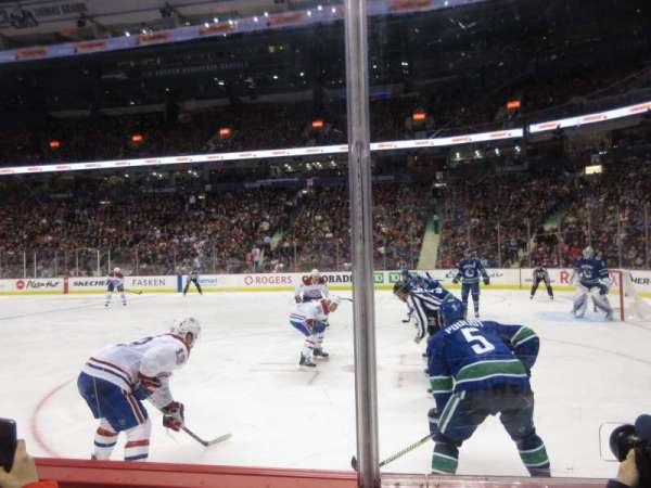 Rogers Arena, vak: 115, rij: 2, stoel: 109