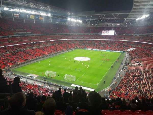 Wembley Stadium, vak: 510, rij: 17, stoel: 283