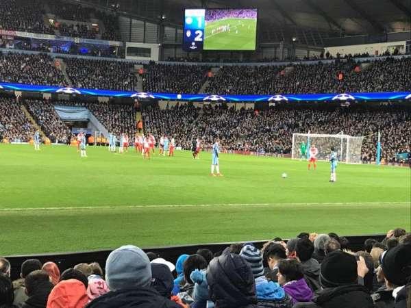Etihad Stadium (Manchester), vak: 105, rij: H, stoel: 97