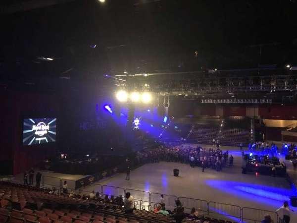 Hard Rock Live at Etess Arena, vak: 212, rij: V, stoel: 1