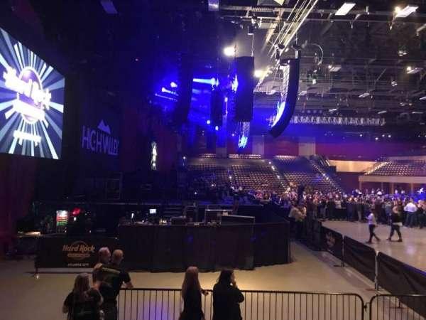 Hard Rock Live at Etess Arena, vak: 214, rij: E, stoel: 10