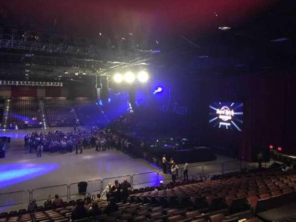 Hard Rock Live at Etess Arena, vak: 203, rij: T, stoel: 8