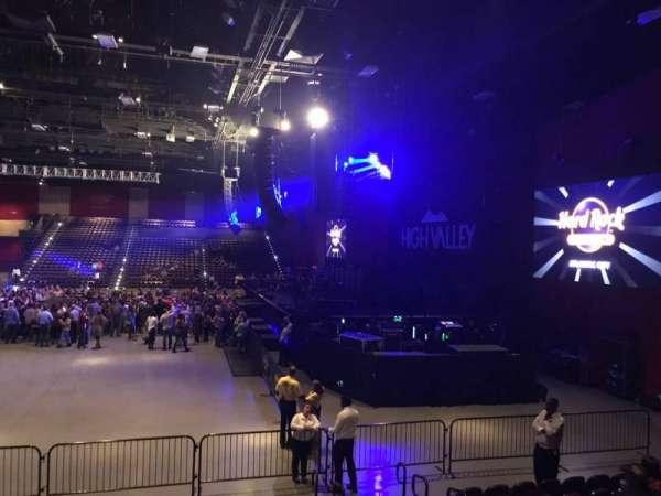 Hard Rock Live at Etess Arena, vak: 202, rij: J, stoel: 5