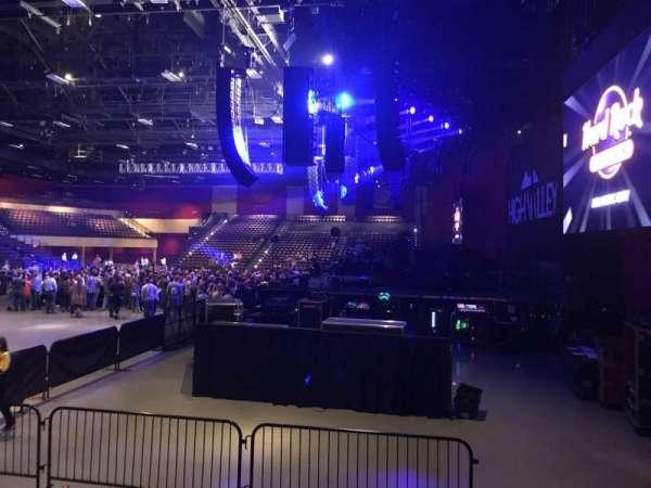 Hard Rock Live at Etess Arena, vak: 201, rij: E, stoel: 2
