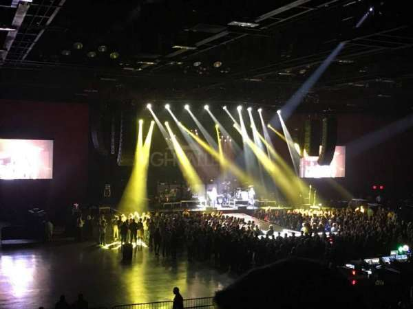 Hard Rock Live at Etess Arena, vak: 210, rij: T, stoel: 6