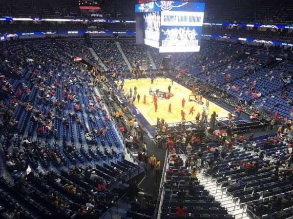 Smoothie King Center, vak: 310, rij: 1, stoel: 1
