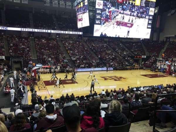 Reed Arena, vak: 107, rij: K, stoel: 4