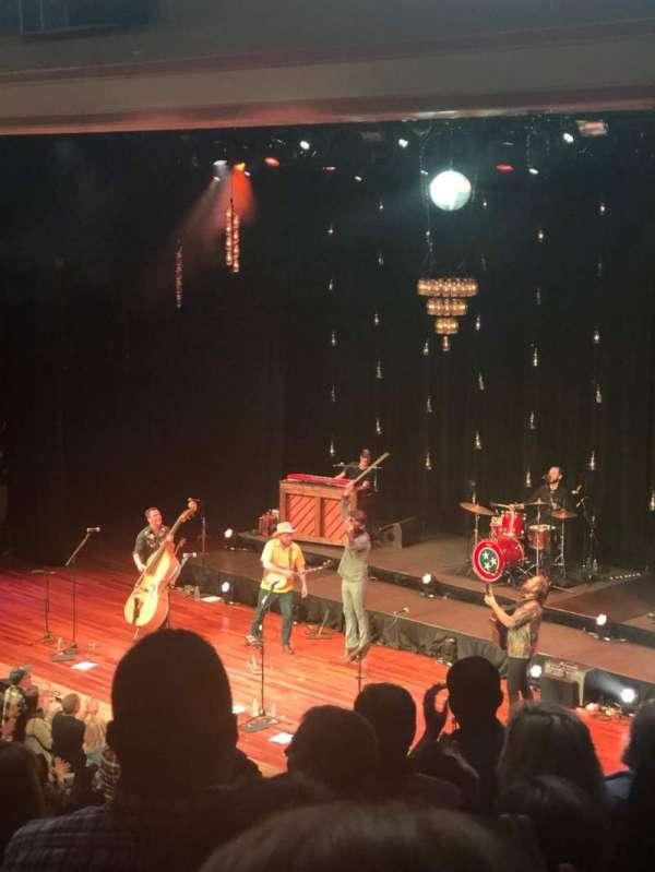 Ryman Auditorium, vak: 10, rij: J