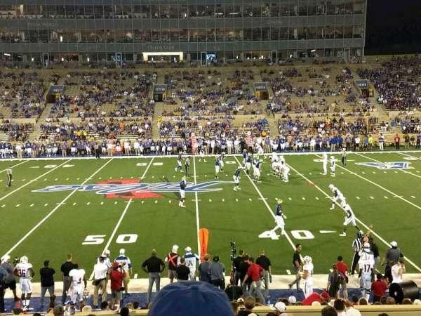 H. A. Chapman Stadium, vak: 104, rij: 26, stoel: 22