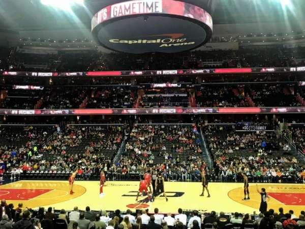 Capital One Arena, vak: 100, rij: L, stoel: 15