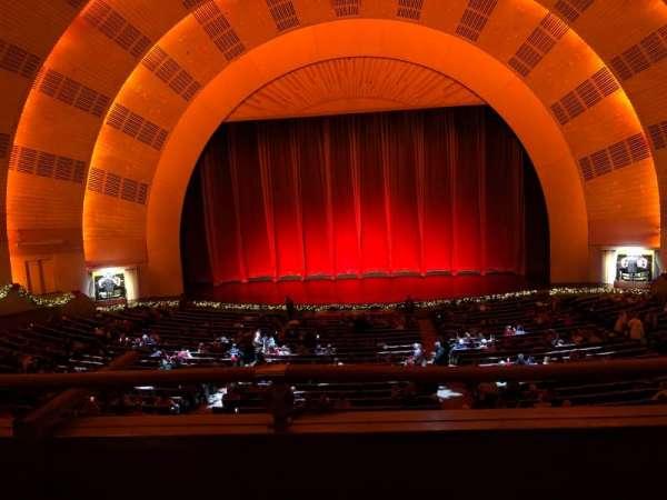 Radio City Music Hall, vak: 1st Mezzanine 4, rij: B, stoel: 403