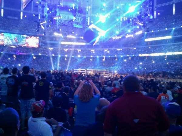 Georgia Dome, vak: 132R, rij: F, stoel: 7