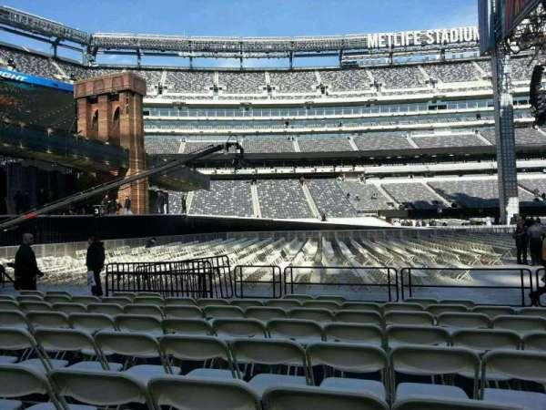 MetLife Stadium, vak: 142, rij: h, stoel: 18