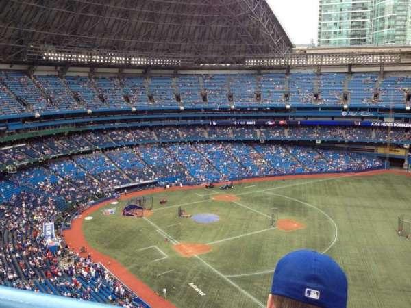 Rogers Centre, vak: 512L, rij: 13, stoel: 111