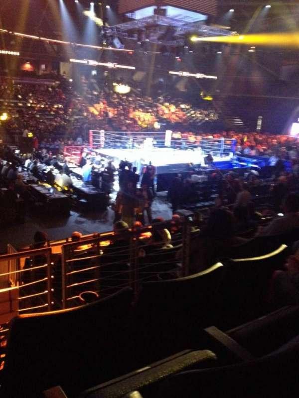 Citizens Business Bank Arena, vak: 105, rij: J, stoel: 16