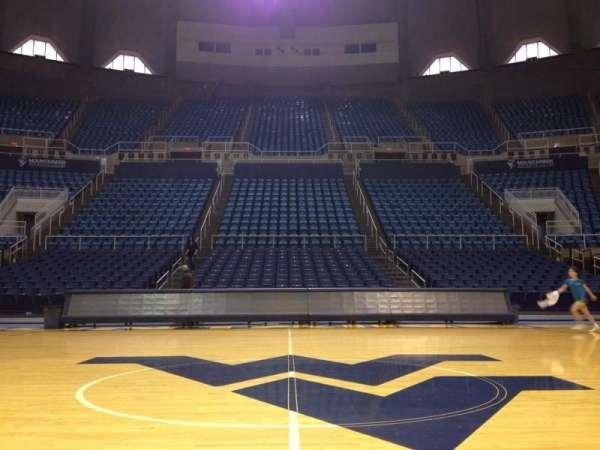WVU Coliseum, vak: Court, rij: 1, stoel: 1