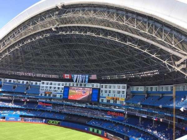 Rogers Centre, vak: 515R, rij: 1, stoel: 5