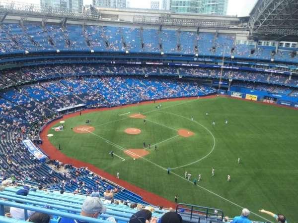 Rogers Centre, vak: 512L, rij: 19, stoel: 101