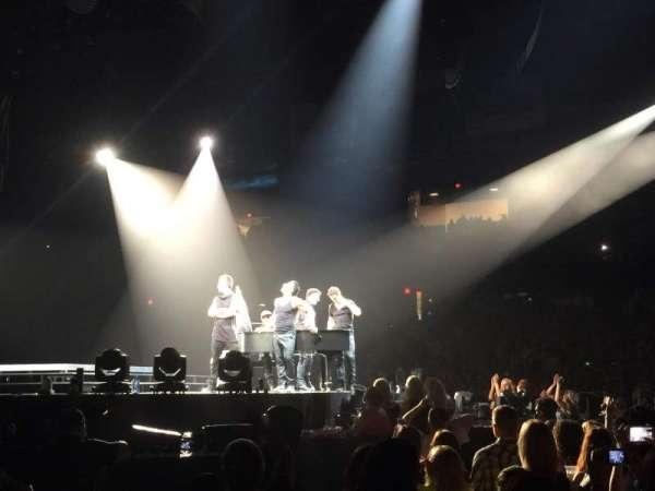 Allstate Arena, vak: 110, rij: AA, stoel: 11