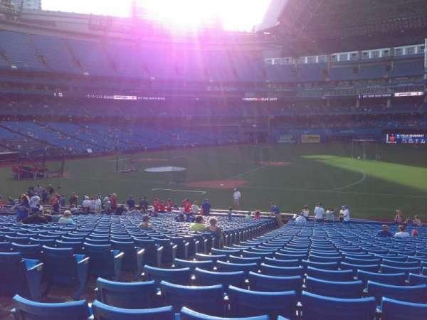 Rogers Centre, vak: 115R, rij: 33, stoel: 4