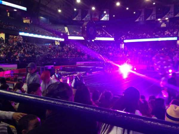 Allstate Arena, vak: 111, rij: A, stoel: 24