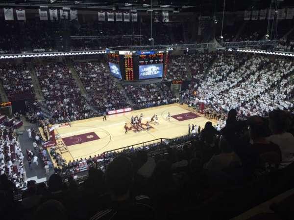 Reed Arena, vak: 223, rij: M, stoel: 12
