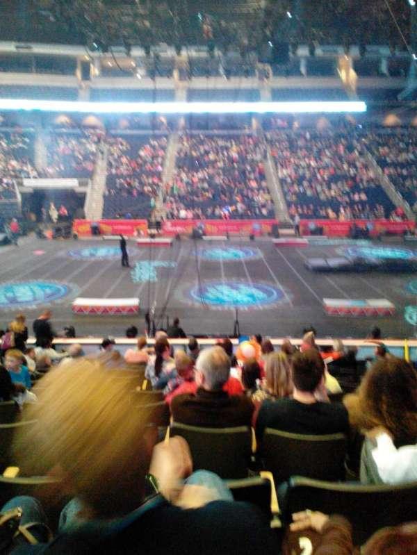 Infinite Energy Arena, vak: 104, rij: M, stoel: 11