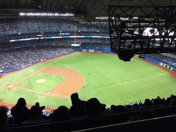 Rogers Centre, vak: 515R, rij: 35, stoel: 1