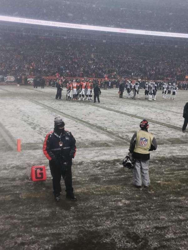 Broncos Stadium at Mile High, vak: 109, rij: 1, stoel: 11
