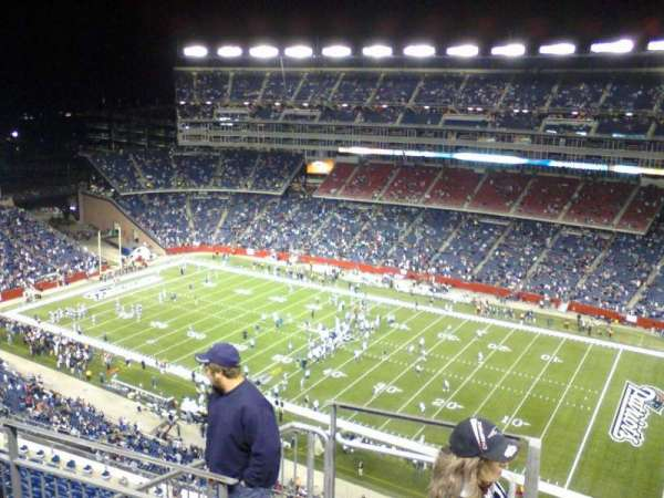 Gillette Stadium, vak: 327, rij: 11, stoel: 23