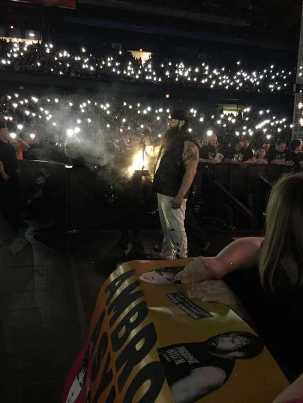 Allstate Arena, vak: 6, rij: 1, stoel: 3