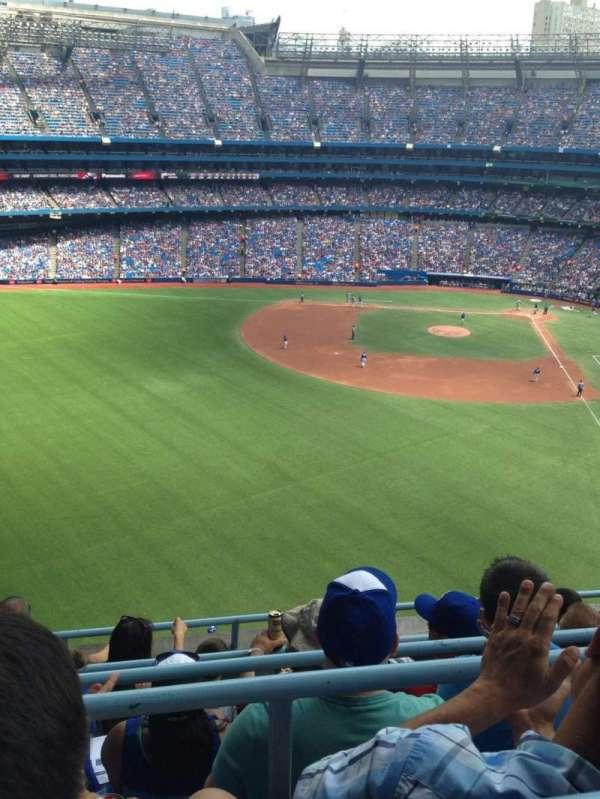 Rogers Centre, vak: 541R, rij: 5, stoel: 3