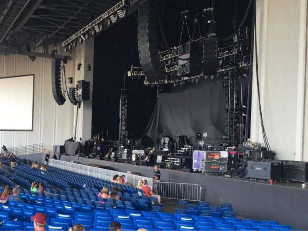 PNC Music Pavilion, vak: 1, rij: W, stoel: 7
