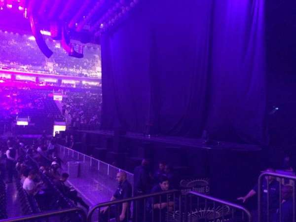 Madison Square Garden, vak: 108, rij: 3, stoel: 5