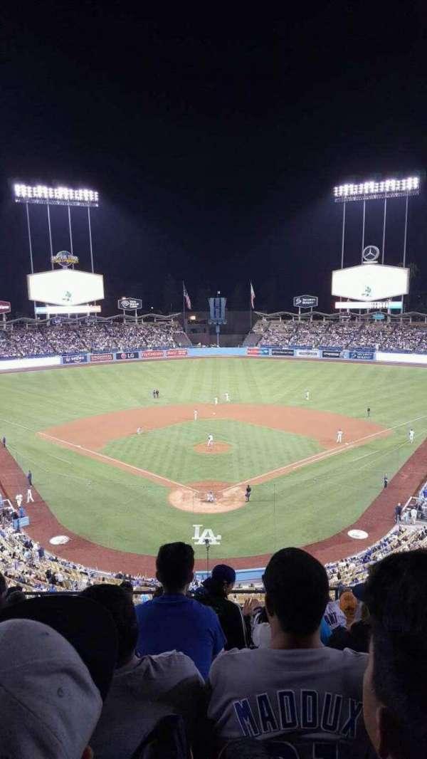 Dodger Stadium, vak: 1RS, rij: K, stoel: 8