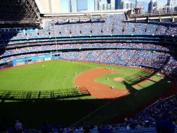 Rogers Centre, vak: 535L, rij: 19, stoel: 111