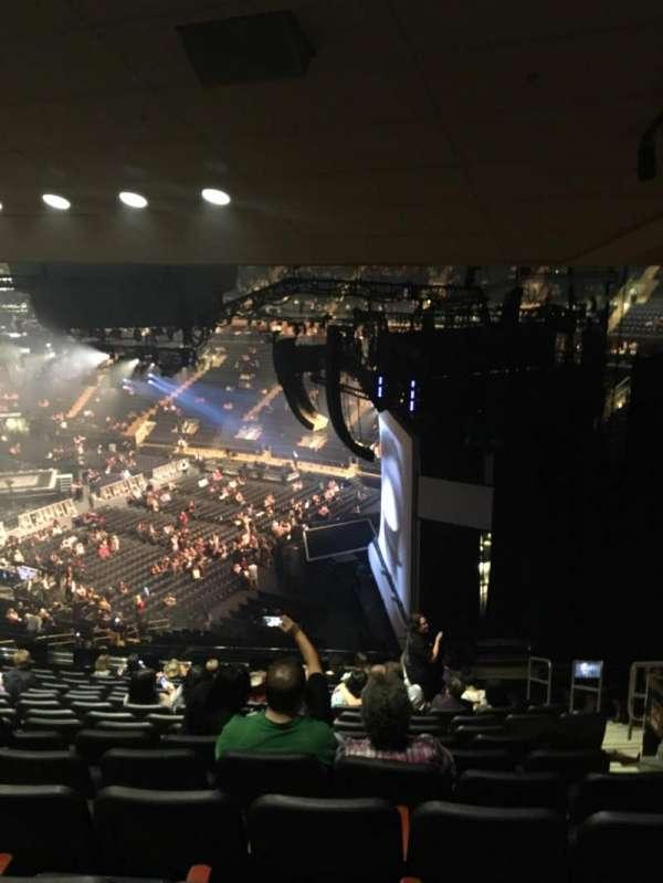 Madison Square Garden, vak: 214, rij: 14, stoel: 20