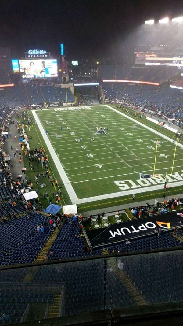 Gillette Stadium, vak: 319, rij: 3, stoel: 12