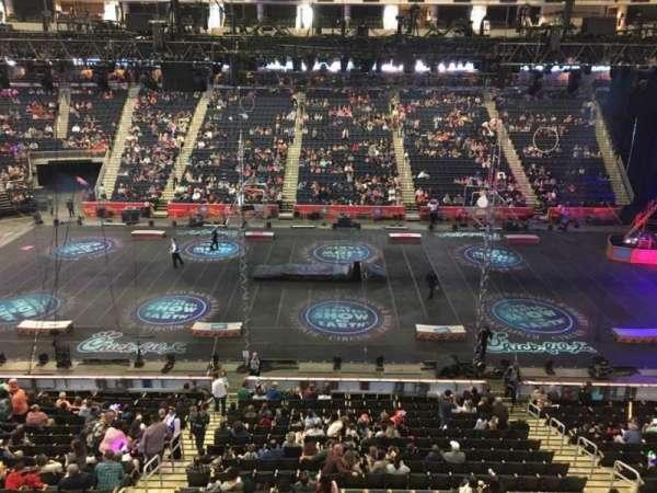 Infinite Energy Arena, vak: 206, rij: A, stoel: 11