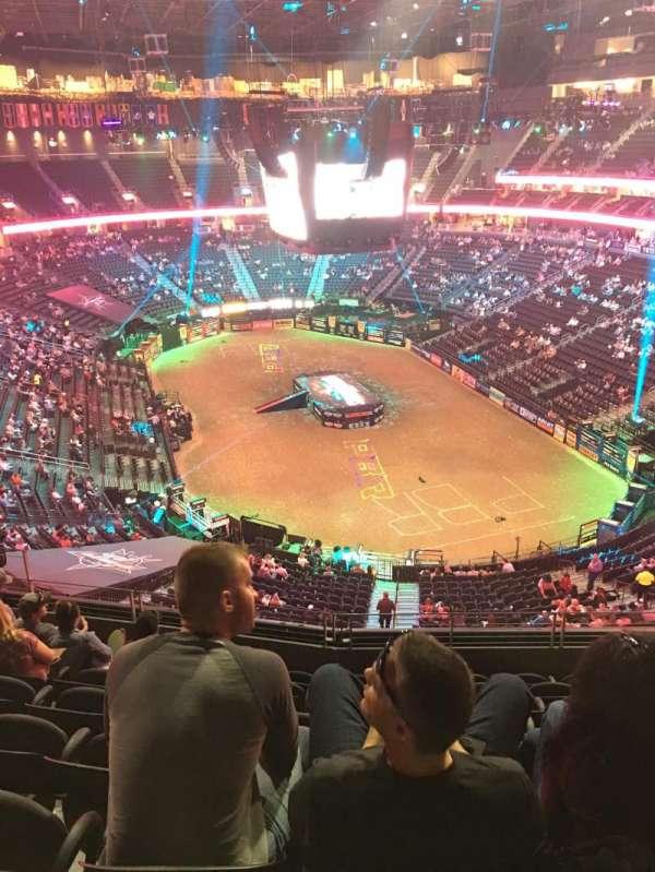 T-Mobile Arena, vak: 212, rij: H, stoel: 10