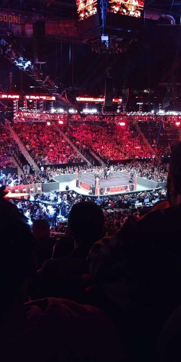 State Farm Arena, vak: 213, rij: E, stoel: 18